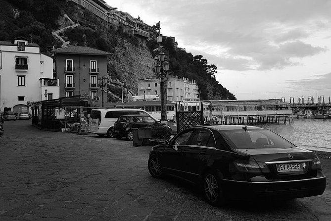 Private transfer: from Naples (Hotel - Airport - Station) to Sorrento