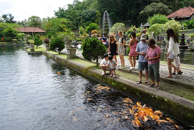 Best Tour with Kanto Lampo Waterfall & Lempuyang Temple