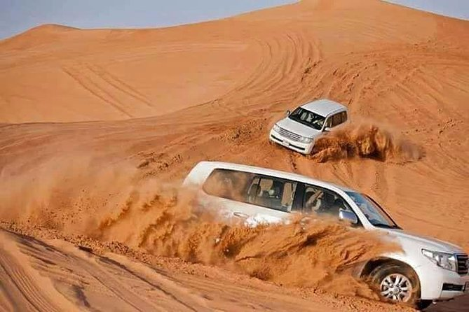 Desert Safari Dubai pick-up & drop off van Land Cruiser