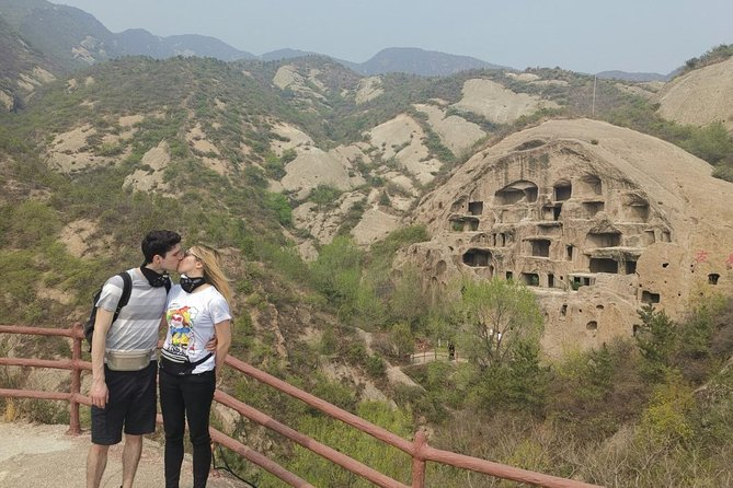 All-inclusive Day Tour to Ming Emperor's Tomb Sacred Path and Guyaju Dwelling