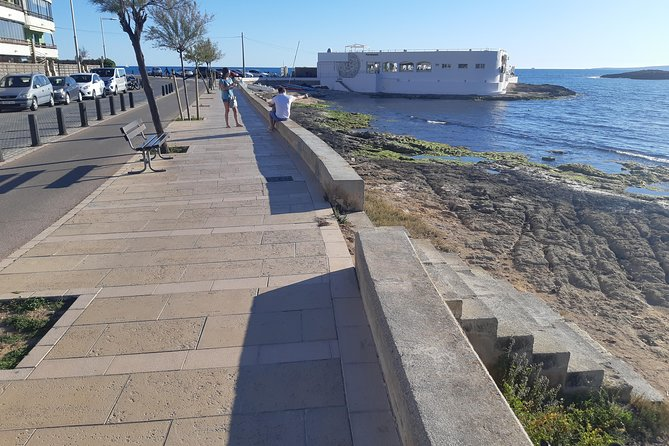 2h10min PRIVATE Tour with PREMIUM e-Scooters visiting Palma and its bay