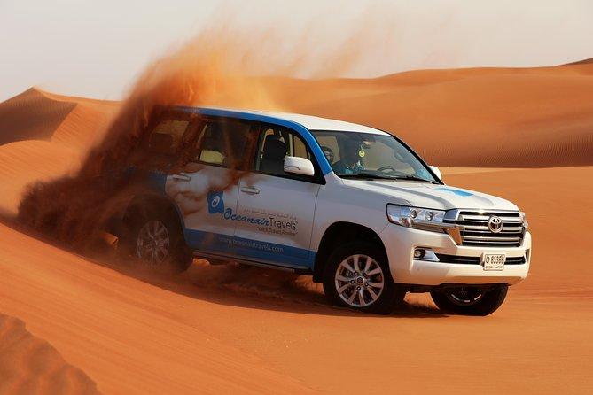 Safari por Dubái por la mañana: dunas rojas, sandboarding, paseo en camello y brunch en el campamento Al Khayma