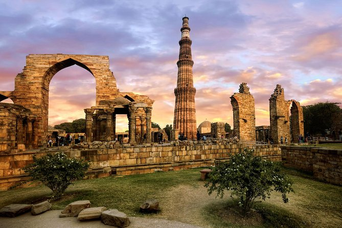 Private Old and New Delhi City Sightseeing Day Tour