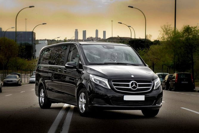 Arrival Private Transfer Dusseldorf DUS Airport to Dusseldorf City by Luxury Van