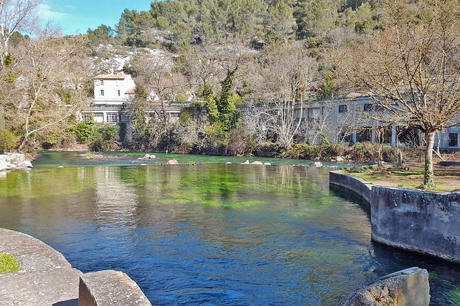 PRIVATE Half Day Luberon Villages Walking Tour from Avignon