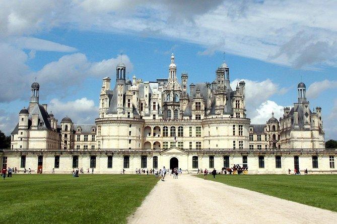 Loire Valley Castles VIP Private Tour: Chambord, Chenonceaux, Amboise