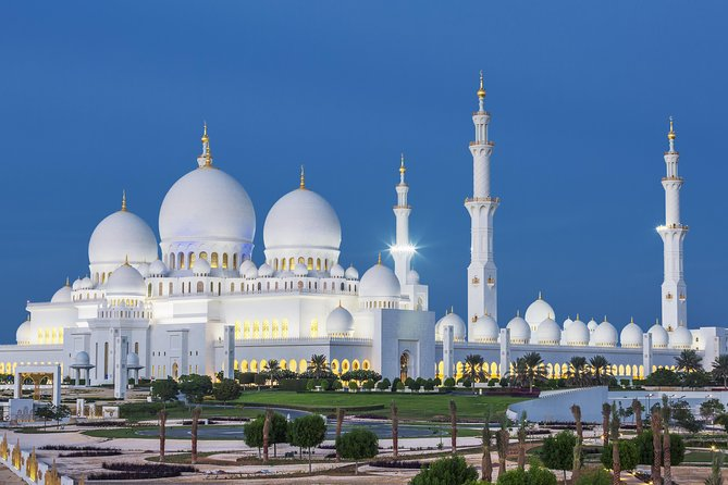 Abu Dhabi: Grand Mosque, Etihad Towers & Royal Palace Visit from Dubai