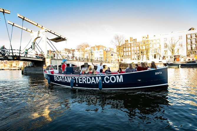 Canal cruise - Small partly covered boat - 60 Minutes - Live guide