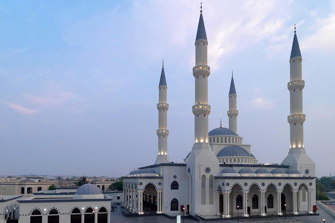 Dubai: Old and Modern City Tour with Blue Mosque Visit
