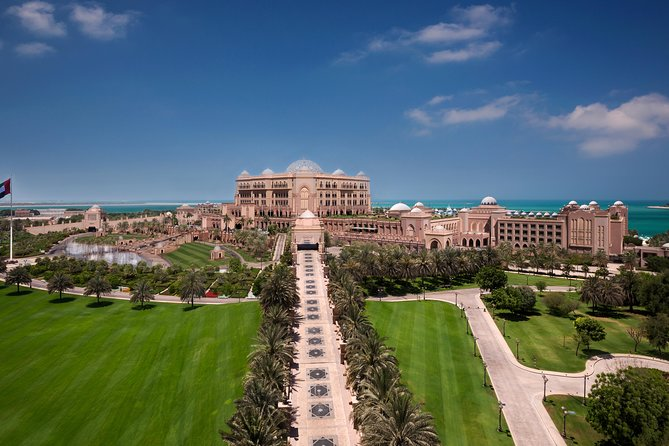 Abu Dhabi Sheikh Zayed Mosque with Emirates Palace Coffee
