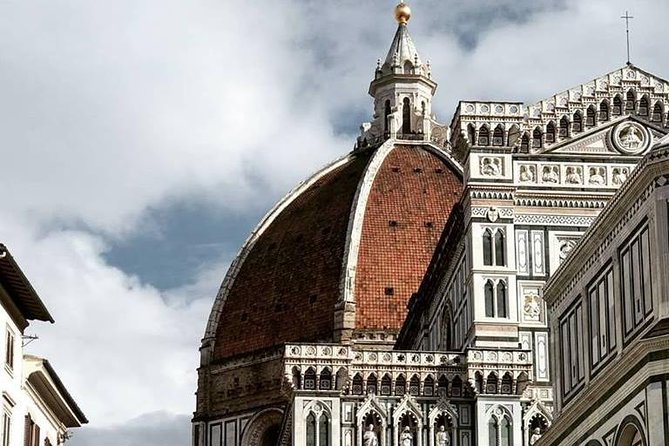 Florence Hop-On Hop-Off sightseeing tour - Ultimate Hop On and discover Florence