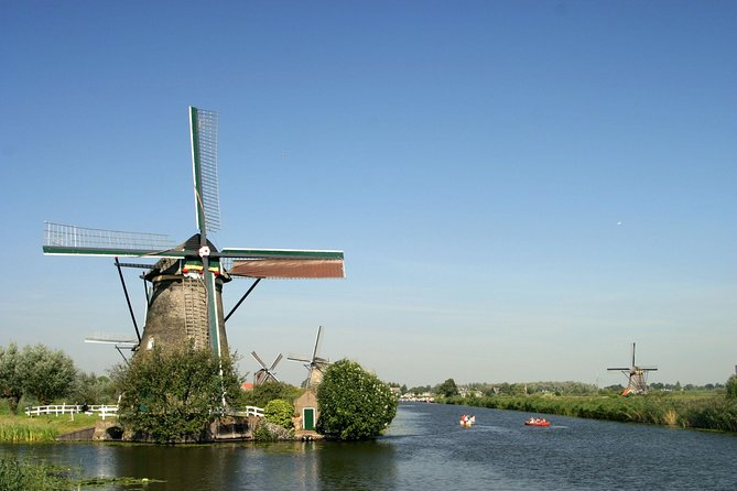 Private day trip to Rotterdam and Dutch windmills