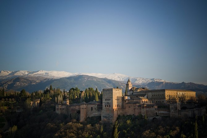 Granada Day Trip with Skip-the-Line Ticket to Alhambra and Optional AlbaicinTour