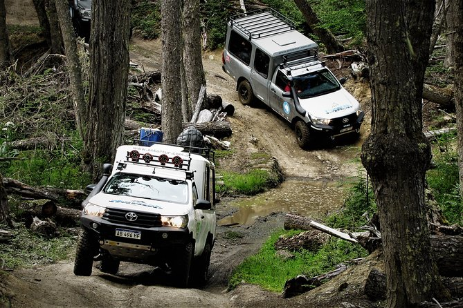 Full-Day Lakes Off-Road 4x4 Experience