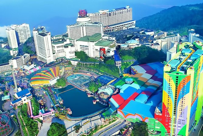 Genting Highland Full-Day Tour Include 2-Way Cable car Ride & Lunch