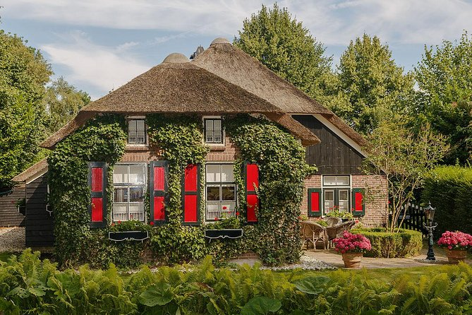 Private day trip to Lelystad and Giethoorn