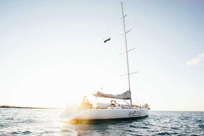 Broomstick Whitsundays Maxi Sailing (2 Days, 2 Nights) - half a double bed*