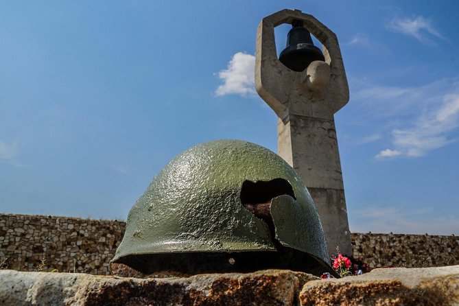Stalingrad Battlefield Private Tour: Rossoshka cemetery and Soldiers' field