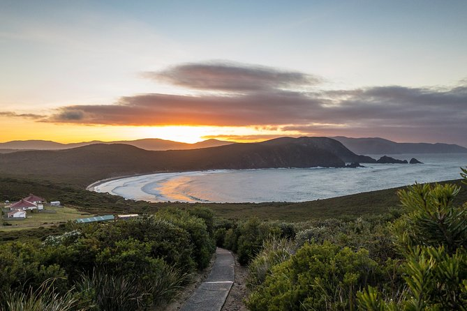 Bruny Island Overnight Explorer and boutique accommodation for two