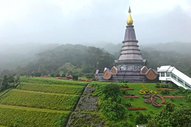 Doi Inthanon Day Tour from Chiang Mai with Twin Pagodas & Hill-tribe Village