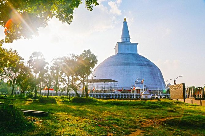ANURADHAPURA ANCIENT CITY 01 DAY TOUR.