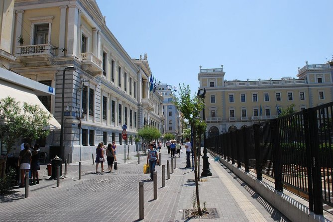 The culinary paths of Athens (Walking food tour)