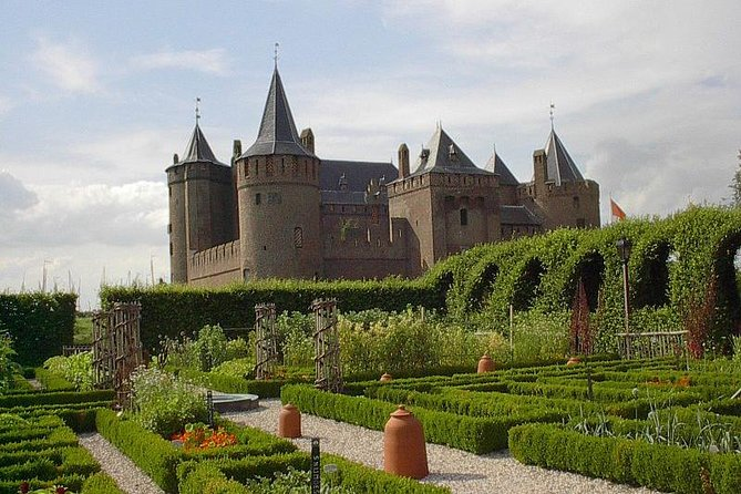 Private day trip to the Dutch castles from Amsterdam