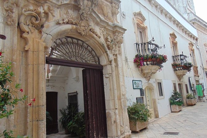 Private tour in Locorotondo: one of the most beautiful villages in Italy