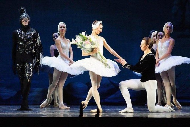 Private Theater Tour and Russian Classical Ballet Evening Performance