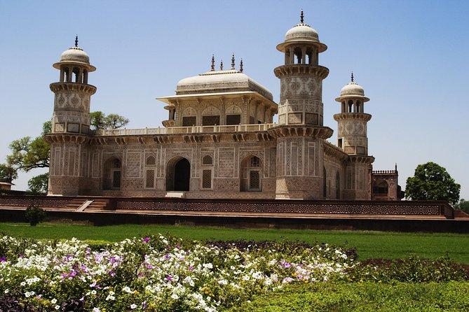 Taj Mahal Sunrise Tour from New Delhi