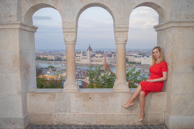 Professional Photography in Budapest at Sunset and Night (2hrs) photo 15