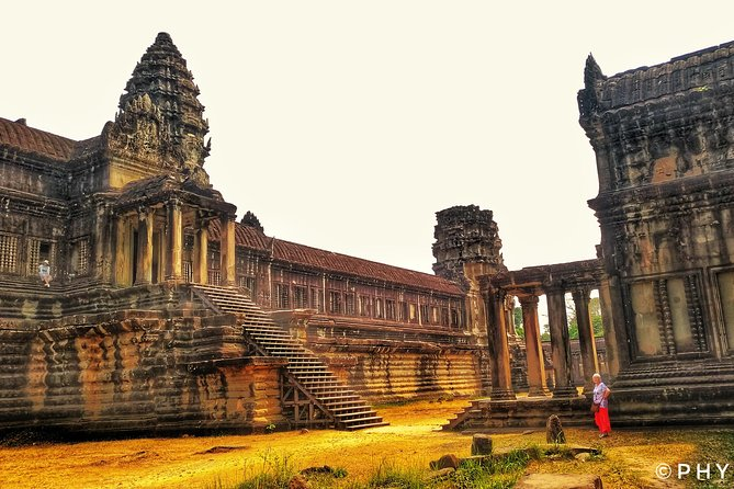 The Angkor Wat Experience