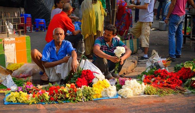 Morning Bazaar Walking Tour in Kolkata