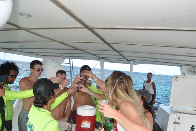 Party Boat Booze Cruise For 15 People or More