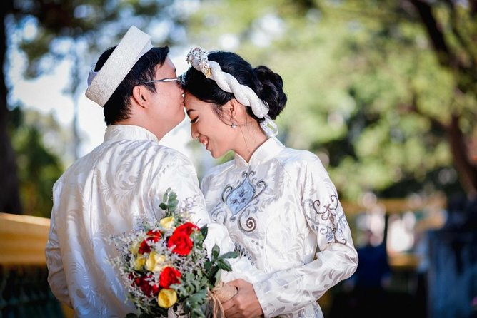 Honeymoon with Ao Dai photoshoot & 1 free night at Vinhome Central Park