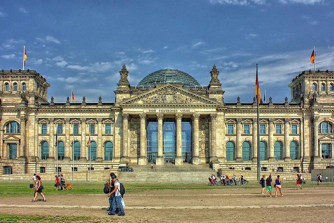 Private Round-Trip Transfer Berlin: Schönefeld Airport to Hotel plus Return Trip