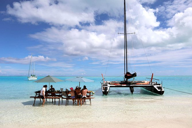 Tour Privado: Catamarã de Bora Bora de dia inteiro e almoço com Motu na Polinésia