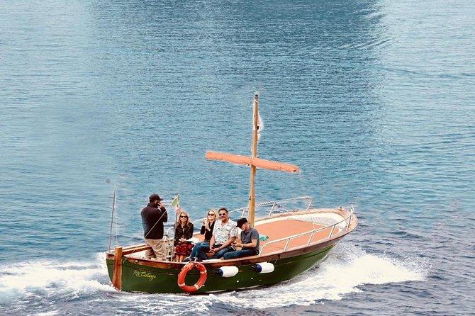 Feel Like a Vip with Paparazzi Boat Tour Around Capri