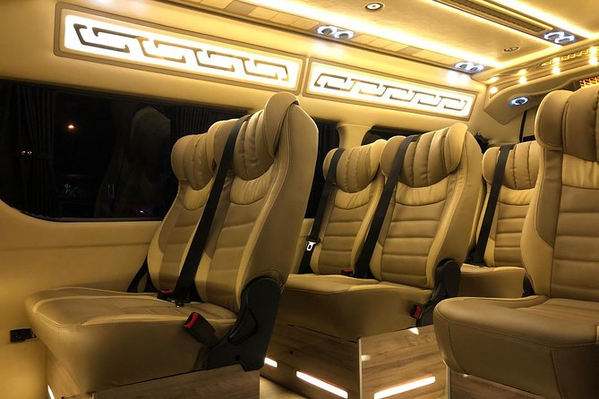 Changi Airport Arrival Ground Transfer in Limo-Bus