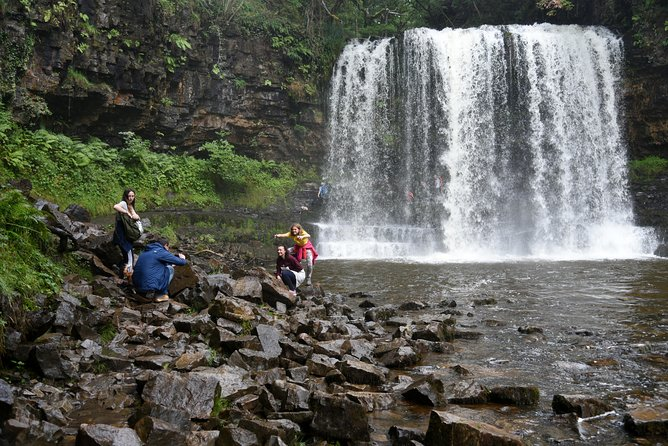 Walking Tour in the Iconic Four Waterfalls Valley