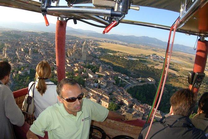 Hot Air Balloon Ride Over Toledo or Segovia with Optional Transport from Madrid, Segovia, ESPAÑA