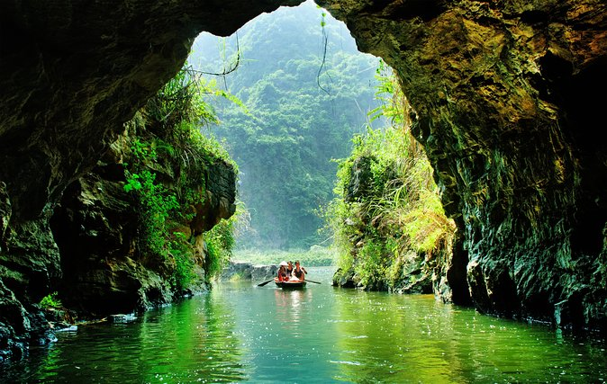 Luxury Hoa Lu Trang An Mua Cave Amazing View - Small Group Tour - Limousine Bus