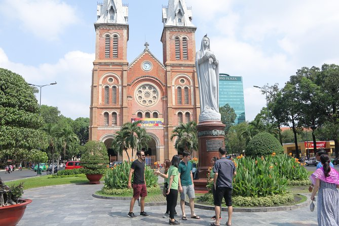 Private Ho Chi Minh Sightseeing and Food Tour by Scooter photo 11