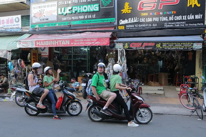 Private Ho Chi Minh Sightseeing and Food Tour by Scooter photo 4