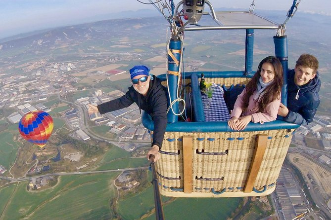 Montserrat kloster Tour & Hot Air Balloon Flight, inklusive transfer, lunch, bilder, Cava