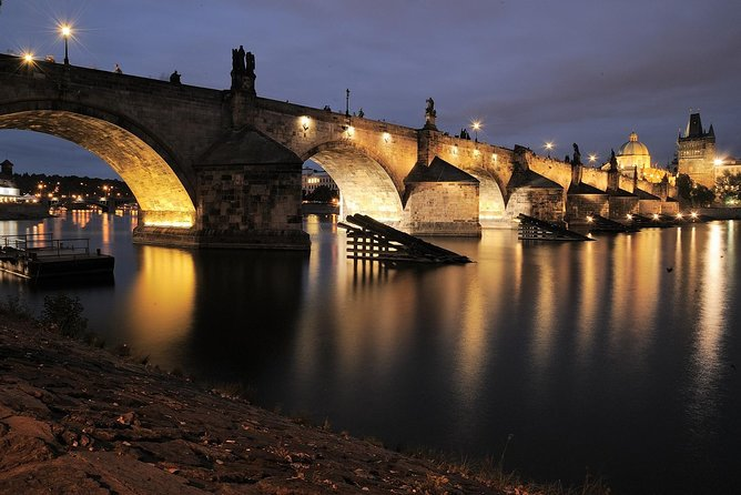 Night 4-Hour Small-Group Guided Photography Walking Tour in Prague