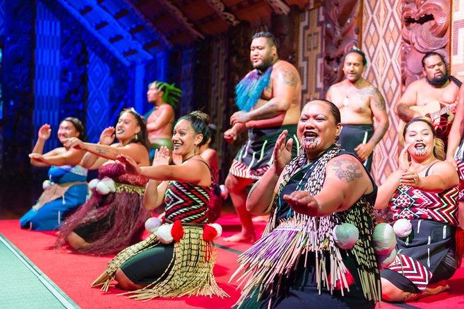Authentic Maori Hangi Dinner and Concert at Waitangi Treaty Grounds