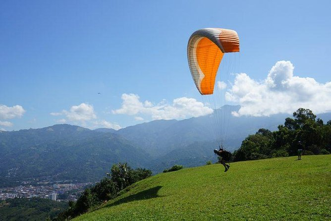 Paragliding - Great Adventure Treks and Expedition
