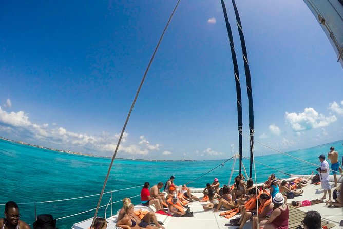 Catamaran Tour To Mujeres Island