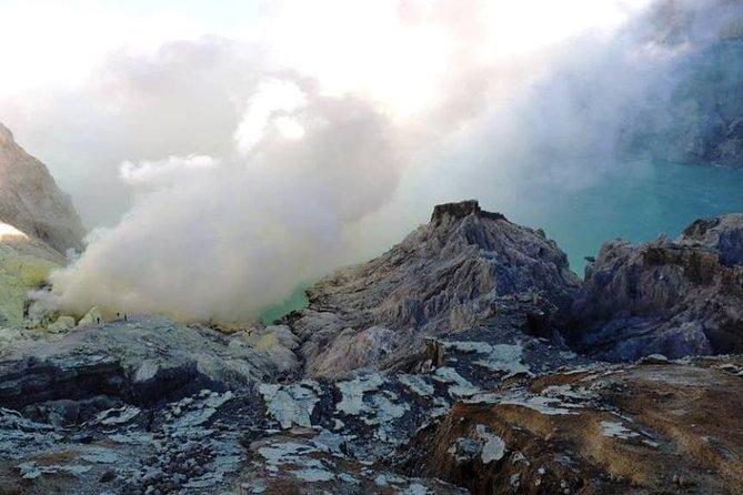Hiking Ijen Crater (Kawah Ijen) via Surabaya